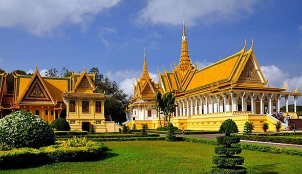 Khám phá Cung điện Hoàng Gia Campuchia - ảnh 1