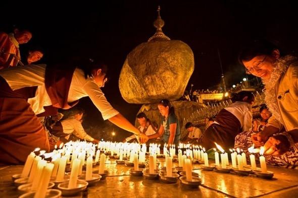 Ngẩn ngơ với lễ hội ánh sáng Thadingyut Myanmar - ảnh 1