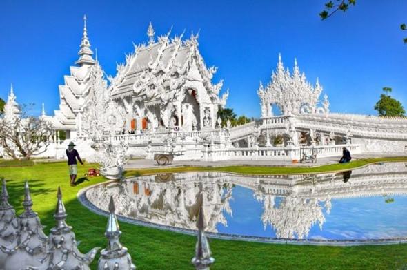 Khung cảnh tuyệt đẹp đầy lôi cuốn ở chùa Trắng Thái Lan - ảnh 1