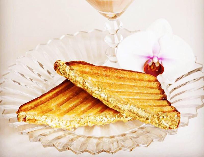 Ngỡ ngàng trước những món ăn dát vàng tại Dubai - ảnh 1