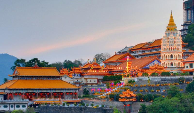 Check in chùa Kek Lokl Si - một trong những ngôi chùa lớn nhất Đông Nam Á - ảnh 1